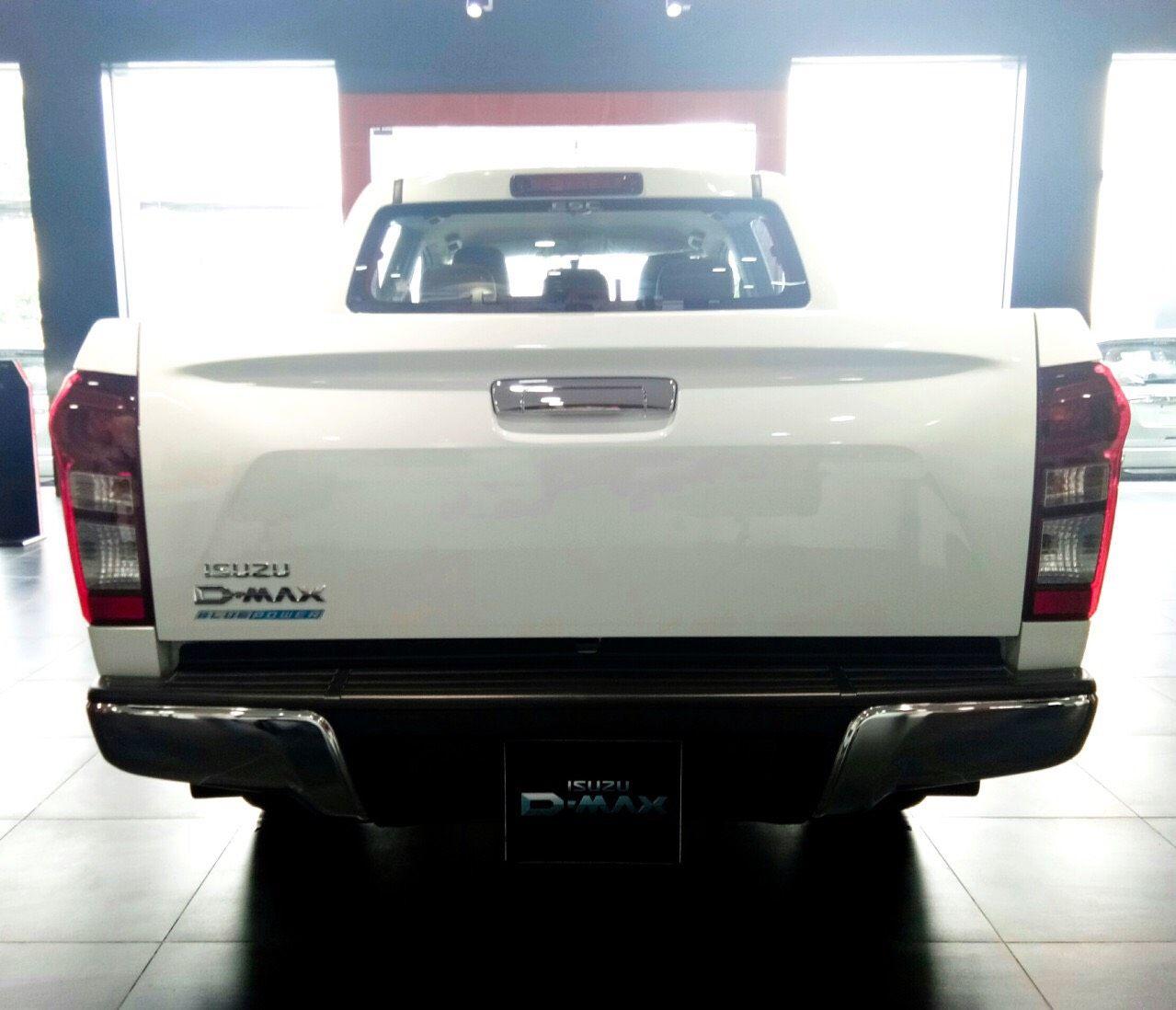 Xe tải Isuzu Dmax MT